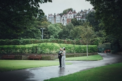 elopement_wedding_edinburgh_scotland_st_cuthberts_church_city_0037